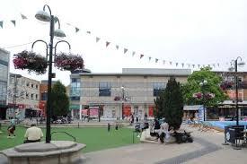 Crawley glaziers local to Crawley
